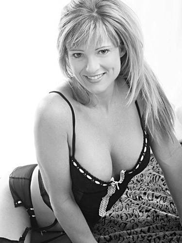 stacey-4-9-07445-bw